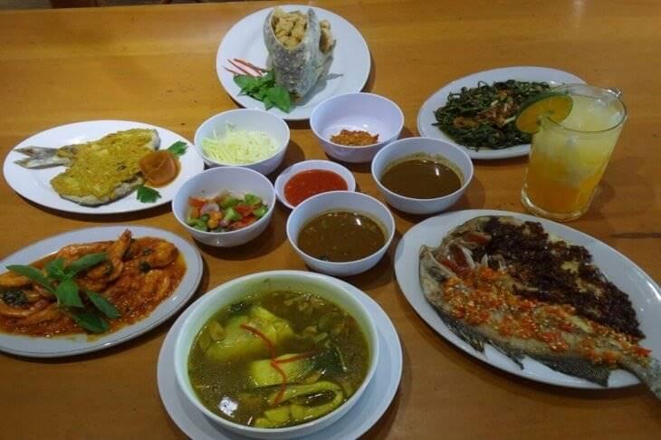 8. Seafood Makassar - 12 Kuliner Enak di Makassar yang Wajib Dicoba